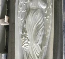 Барельеф ангел из гранита