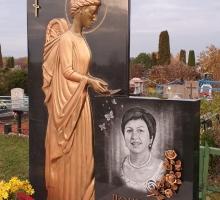 Памятник ангел.