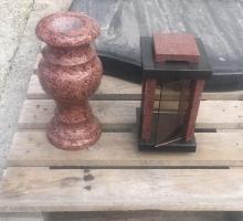 Лампада и ваза из красного гранита