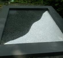 ленточный фундамент, облицованный грессом + внутри гранитная и мраморная крошка