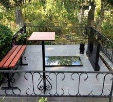 Комплект лавки и стола из дерева и металла